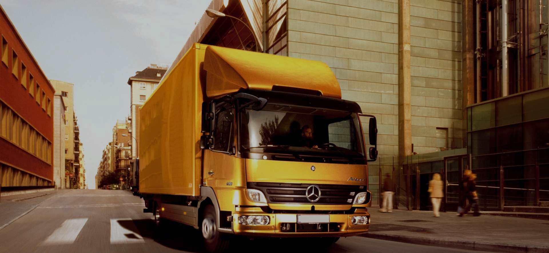 mercedes-truck-road